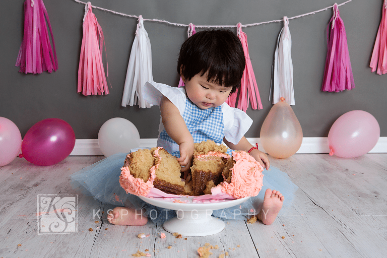 0629032 cake smash photography 1st birthday portraiture photos