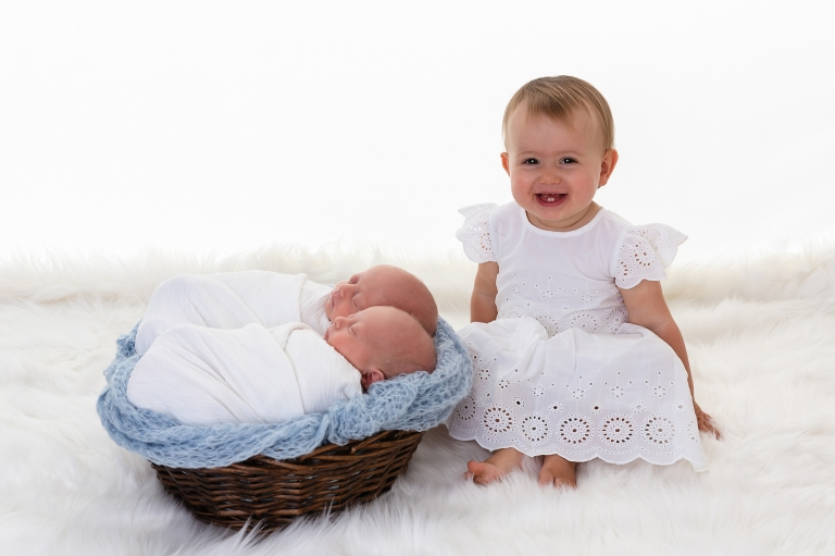 affordable family photography affordable newborn photos perth baby photography perth newborn baby photography perth newborn baby portraiture newborn photography twin baby photography twin newborn photography  0987003websize%28pp_w768_h511%29